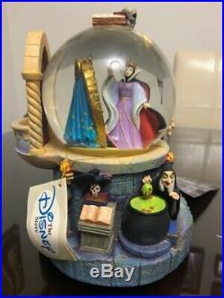 DIsney Villains Evil Queen Snow Globe Snow White with Talking Mirror RARE
