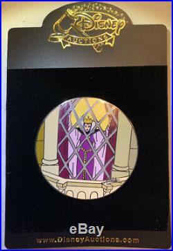 Disney Auctions LE 100 Pin Elisabete Gomes AUTOGRAPHED Evil Queen in Window