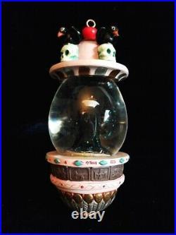 Disney EVIL QUEEN Hanging Vine Snowglobe with Stand Snow White Villains Globe