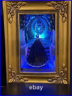 Disney Parks Evil Queen At Mirror Villain Snow White Gallery Of Light Olszewski