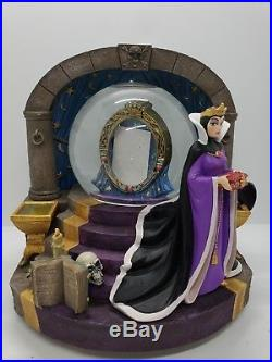 Disney Snow White Evil Queen Snowglobe