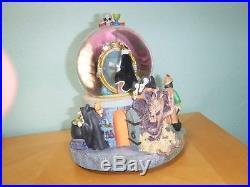 Disney Snow White Evil Queen Snowglobe Snow Globe Rare