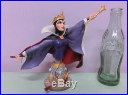 Disney Snow White Evil Queen Villans Figure Doll Showcase ENESCO Grand Jester