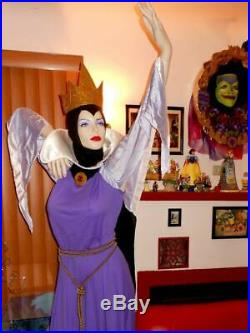 Disney Snow white Evil Queen Mannequin Life Size and Mirror on the wall Prop