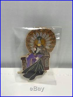Disney Store Evil Queen Throne LE 250 Jumbo Pin Shopping Snow White Old Hag