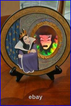Disney Villains LE 33 of 10000 Snow White EVIL QUEEN Magic Mirror Plate Figure