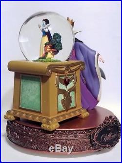 Disney Villians Snow Globe Evil Queen Snow White Spinning Crystal Ball RARE