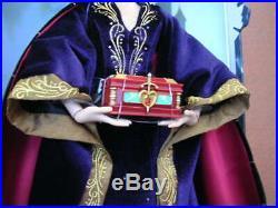 Disney store 80TH ANNIVERSARY EVIL QUEEN DOLL snow white and the seven dwarfs LE