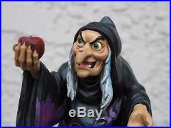 Jim Shore Disney Showcase Traditions Take A Bite Old Hag Snow White Evil Queen