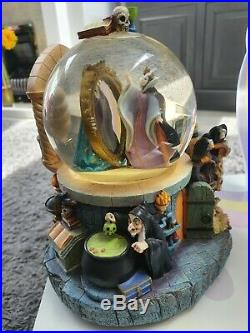 Large Disney Snowglobe Evil Queen Snow white Magic Mirror