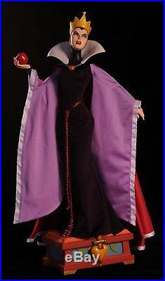 Sideshow Disney Snow White Evil Queen Premium Format WDCC Doll Villain Statue