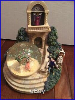 Snow White Evil Queen Snow Globe