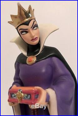 WDCC Evil Queen from Snow White Bring Back Her Heart. New in Box with COA