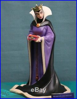 WDCC the Evil Queen Bring Back Her Heart from Snow White NIB COA + pin & cards